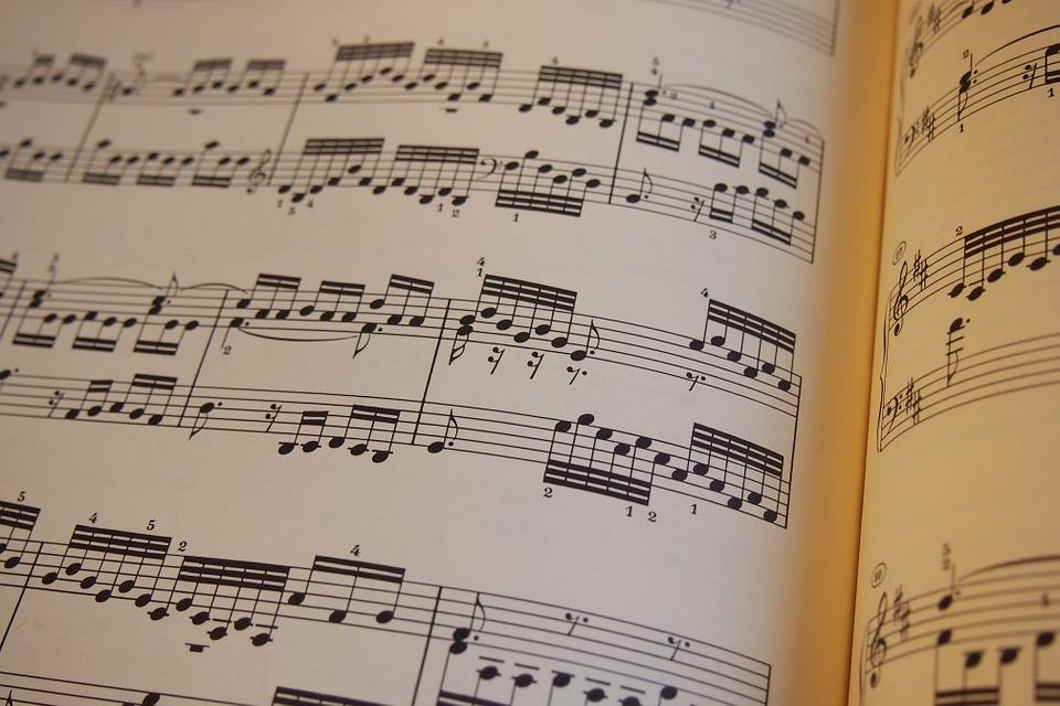 ベース弾けない時どうする?初心者に難しい曲を簡単アレンジする方法