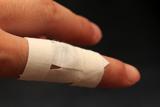 パソコンのマウスやベースで指の痛みや違和感…腱鞘炎の症状だった件