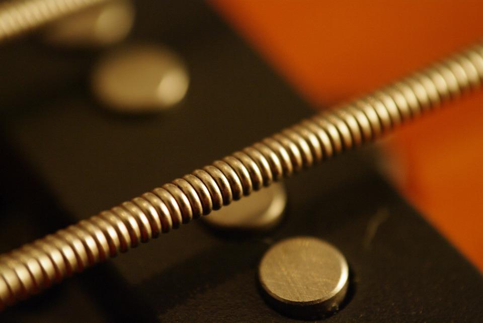 リチャードココのベース弦は弦交換時期の後の音がレトロでおすすめ