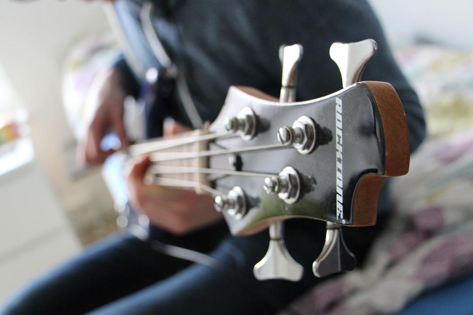bass-622598_960_720