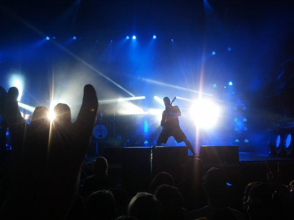 concert-497182_960_720