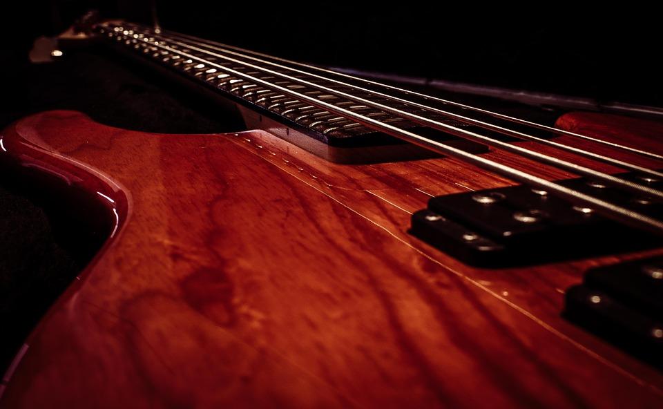 ギターやベース取り寄せてもらうメリットとデメリットは?体験してわかったこと