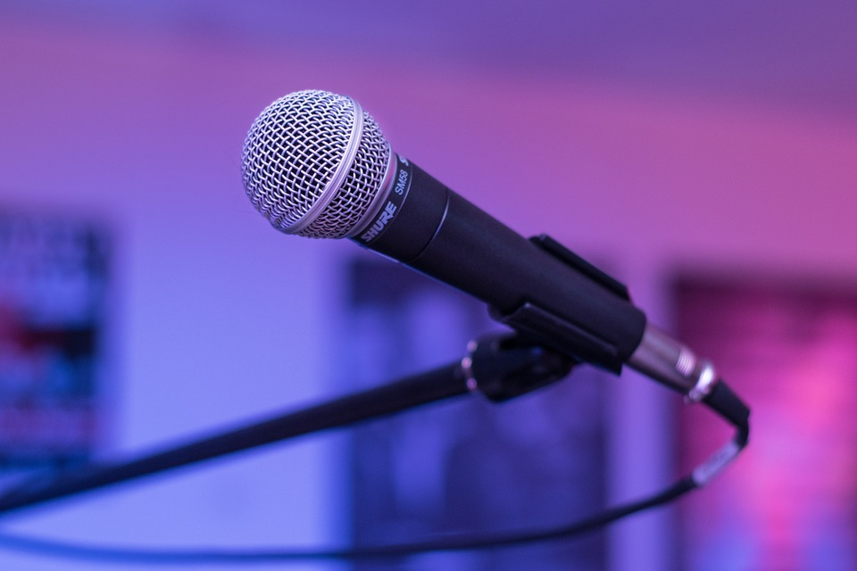 microphone-1159791_960_720