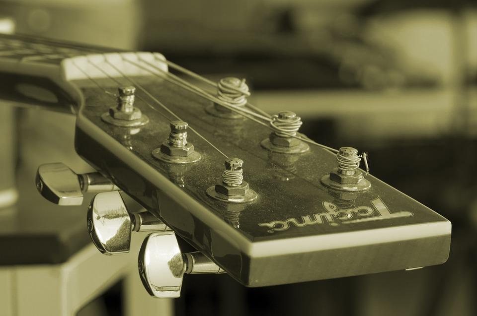壊れたギターやベースの処分方法に買取は?故障したジャンク品を査定に出しまくった