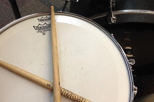 バスドラムに合わせるのしないで別の音に!ベースのリズムの合わせ方~スネアドラム編~